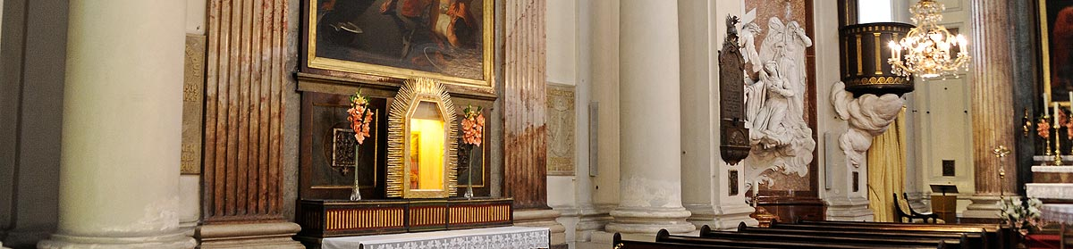 Sliderbild Stiftskirche, Stiftskirche, 1070 Wien, Wien
